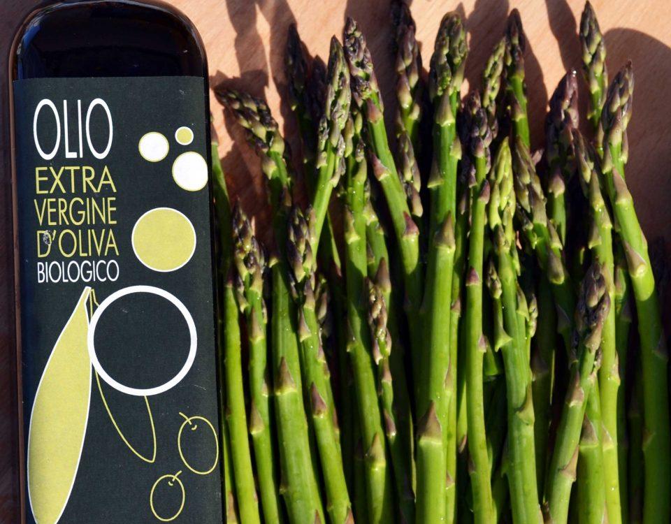 olio toscano con asparagi selvatici